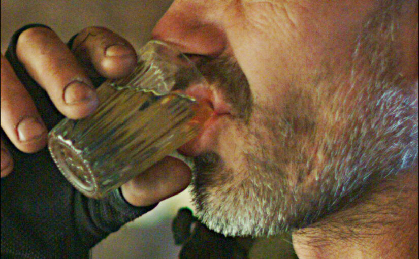 Споить до деградации. Топ получателей выгоды от алкоголизации белорусов