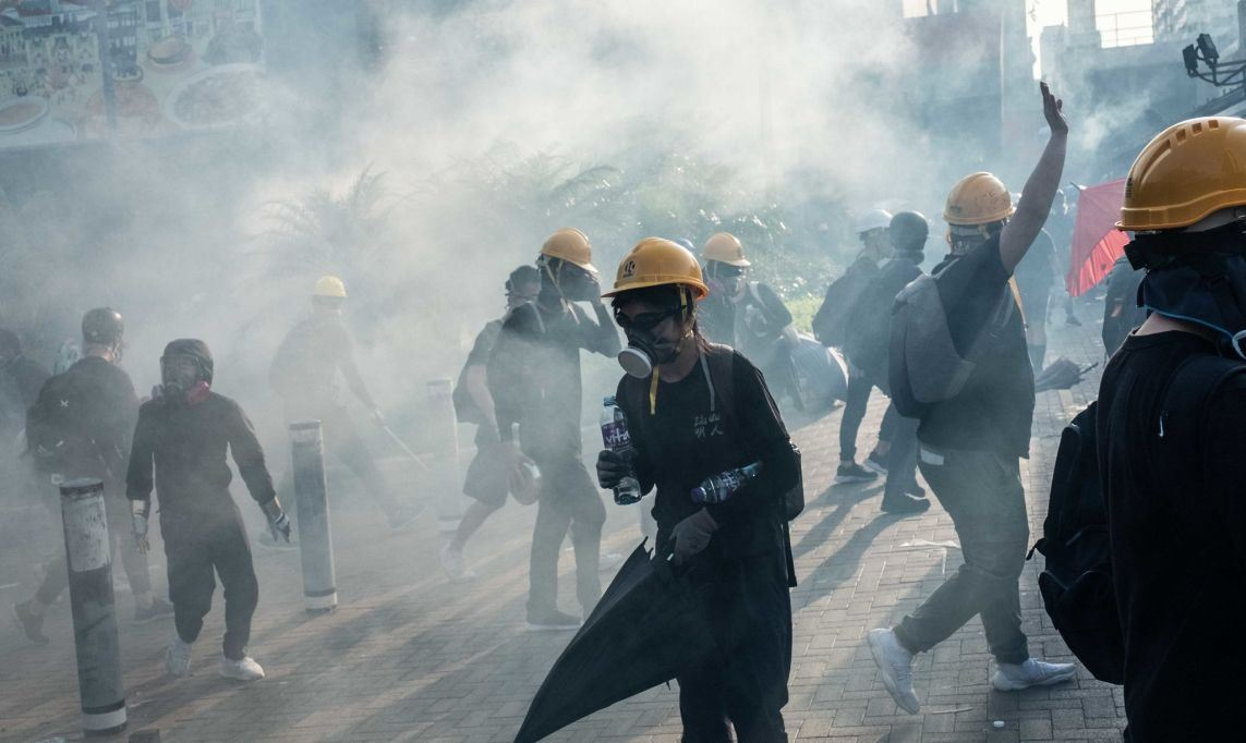 О массовых беспорядках в Гонконге