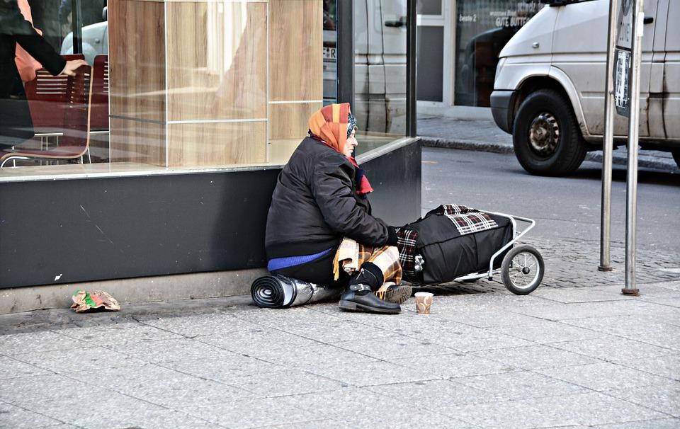 Бедность в Беларуси. Каждому четвертому не хватает на основные нужды