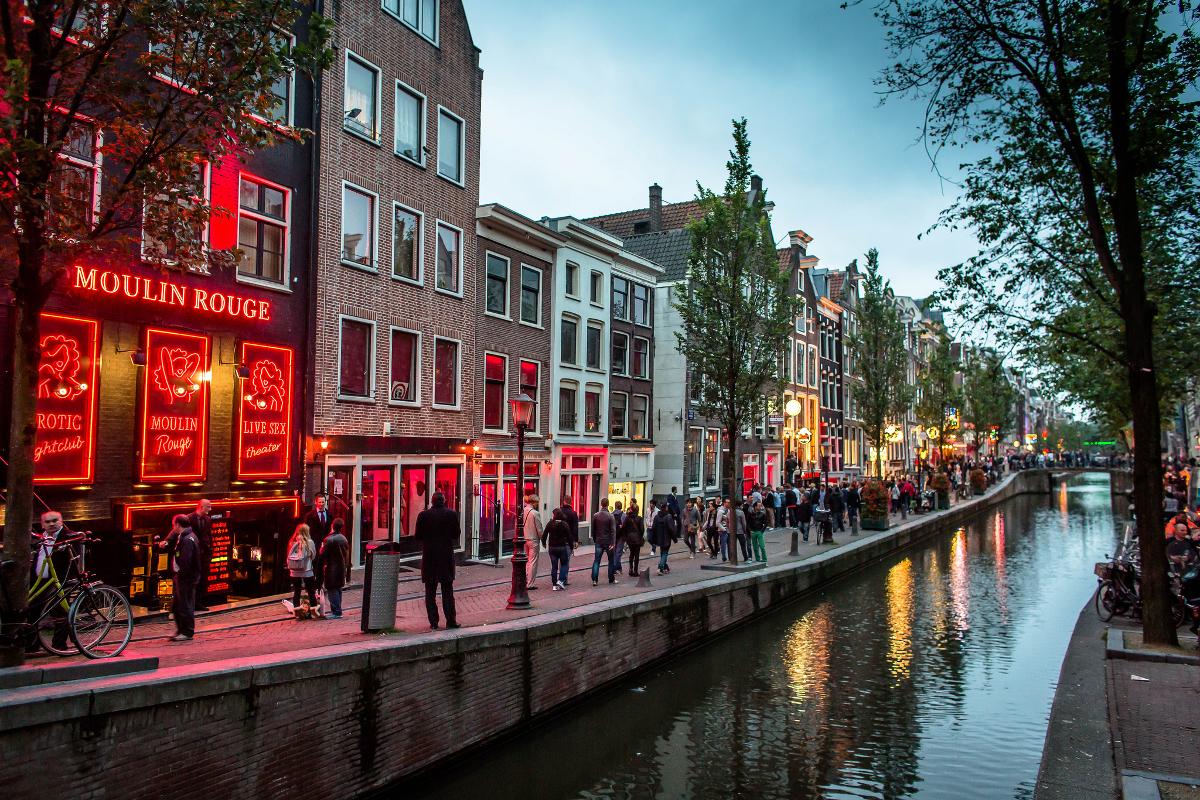 Переименование Голландии,  рост ВВП стран Европы и конец дешёвого интернет-импорта