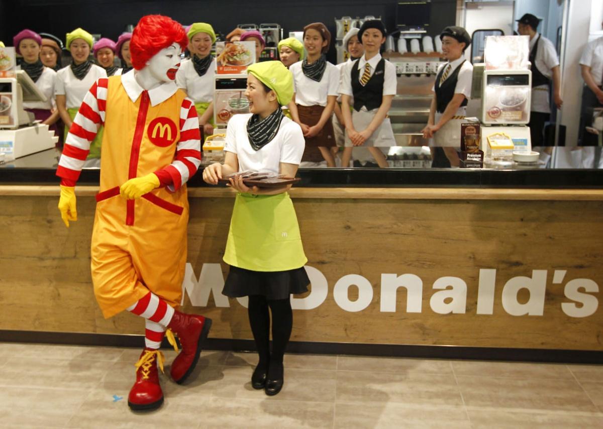 Запрет любви в Макдоналдсе, копирайт против диабетиков и доступность салата Оливье
