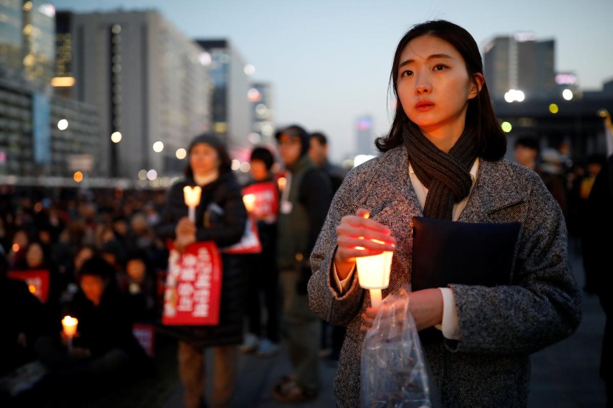 Вымирание Южной Кореи, подвалы в Сеуле и чистки в  Самсунге