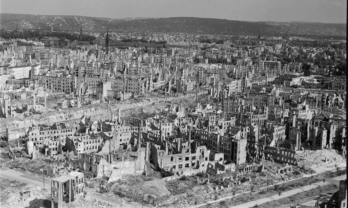 Пепел Дрездена стучит в сердца немцев