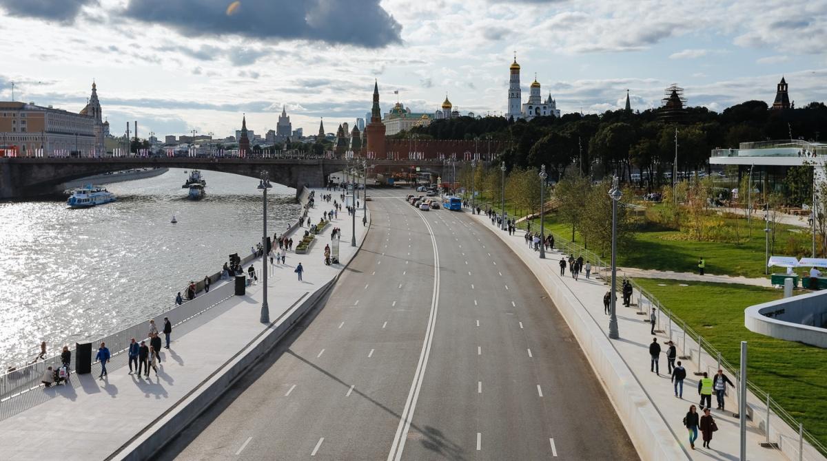 Возвращение шведа в Москву, даунтауны без негров и стимулы для развития регионов