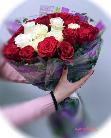 Чем порадовать дорогих сердцу женщин на 8 марта