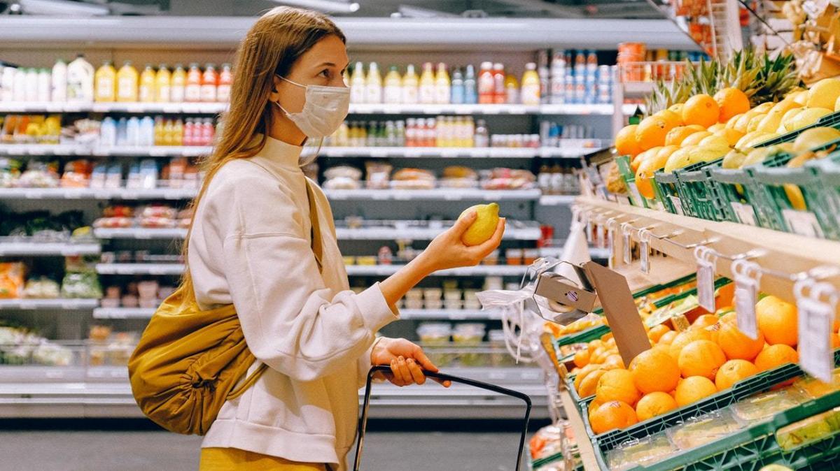 Как ходить в магазин во время вируса, ограничение продаж алкоголя и кредиты на выдачу зарплаты