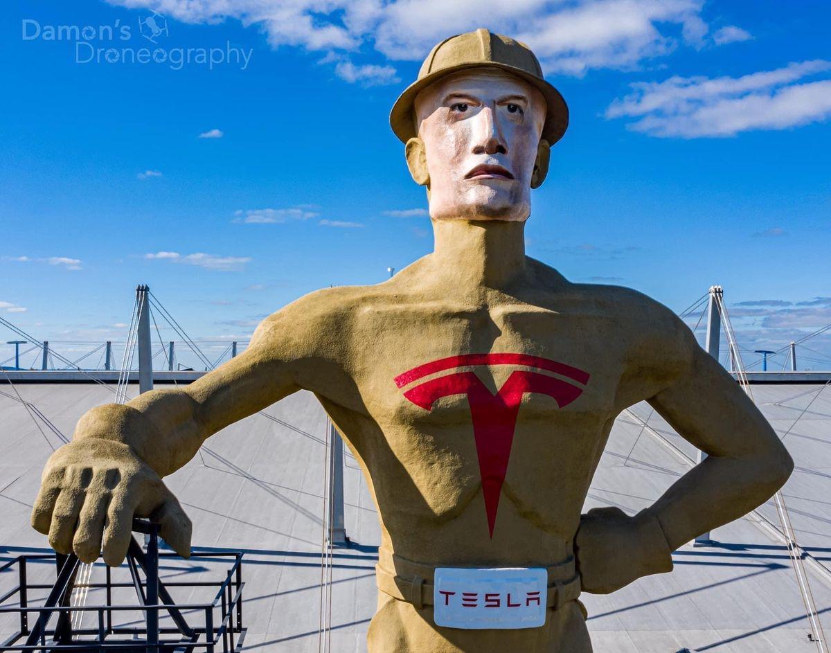 Памятник Илону Маску, ИЧР в бСССР и что американцы думают о коронавирусе в Китае